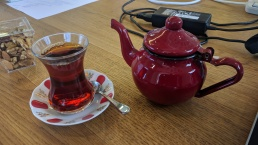 Tea pot with Finjan