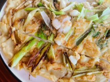 Pancake with green onions