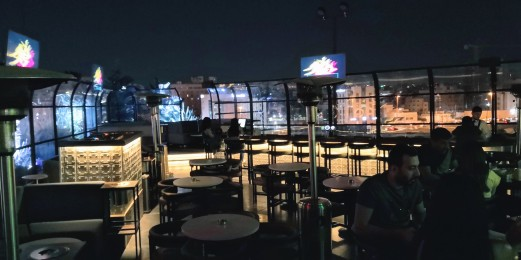 Iguana Rooftop - Seating